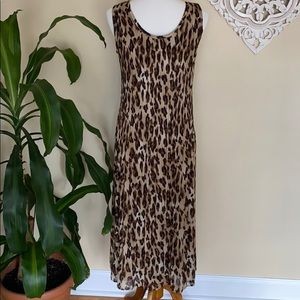 Flowy cheetah maxi dress